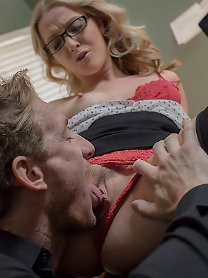 Poor Ryan was just trying to focus on the pile of urgent work on his desk, but how could he, with his co-worker Karla Kush yakking it up at the next d pics ~ hot-pussy.cc