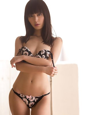 pulls down her flowery panties pics ~ hot-pussy.cc