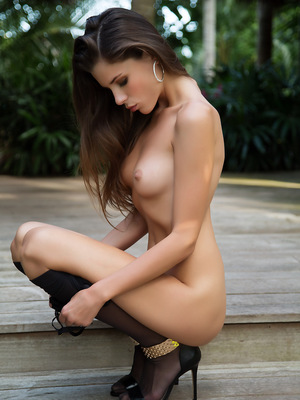 Aleksa Slusarchi outdoors enjoying the weather and taking off her black lingerie. pics ~ hot-pussy.cc