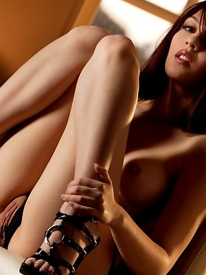 Cassie is a new Babe, she's playful and sweet... Come and get lost in her fascinating dark eyes. pics ~ hot-pussy.cc